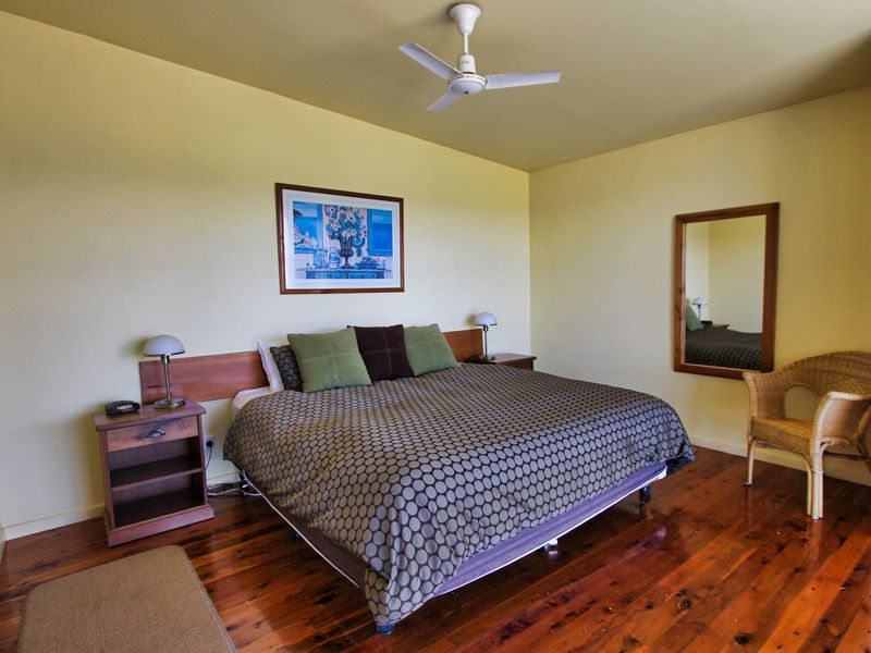 Correa-bedroom